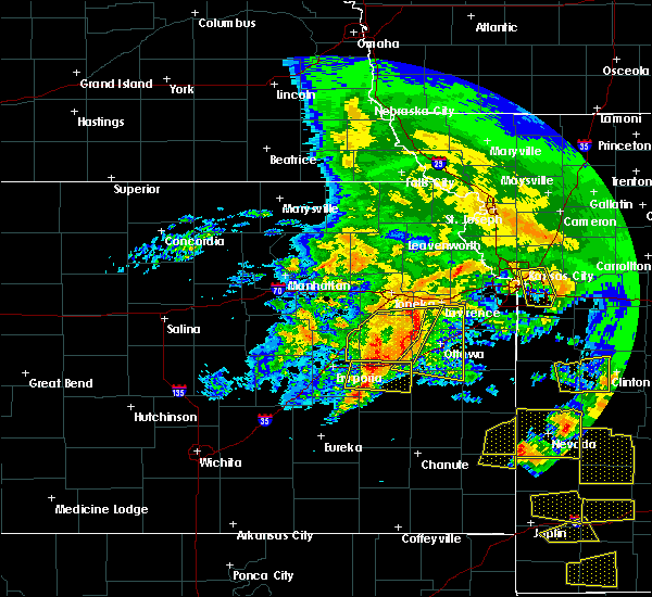 Radar Image for Severe Thunderstorms near Overbrook, KS at 5/4/2020 10:58 AM CDT