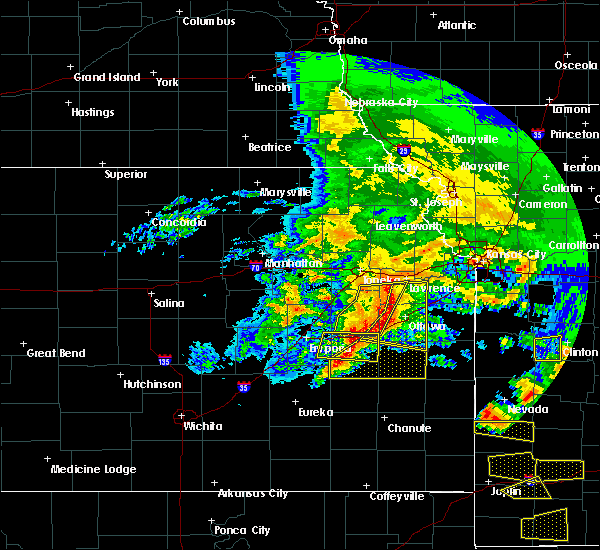 Radar Image for Severe Thunderstorms near Waverly, KS at 5/4/2020 11:04 AM CDT