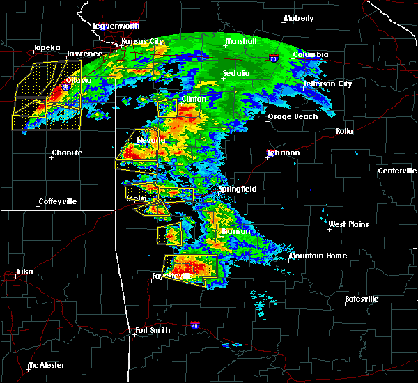 Radar Image for Severe Thunderstorms near Irwin, MO at 5/4/2020 11:14 AM CDT