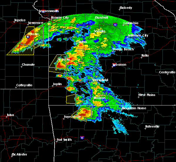 Radar Image for Severe Thunderstorms near Huntsville, AR at 5/4/2020 11:26 AM CDT