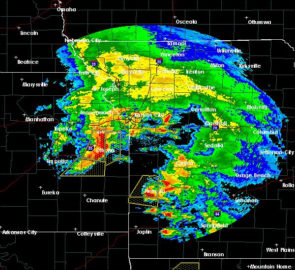 Radar Image for Severe Thunderstorms near Lone Elm, KS at 5/4/2020 11:27 AM CDT