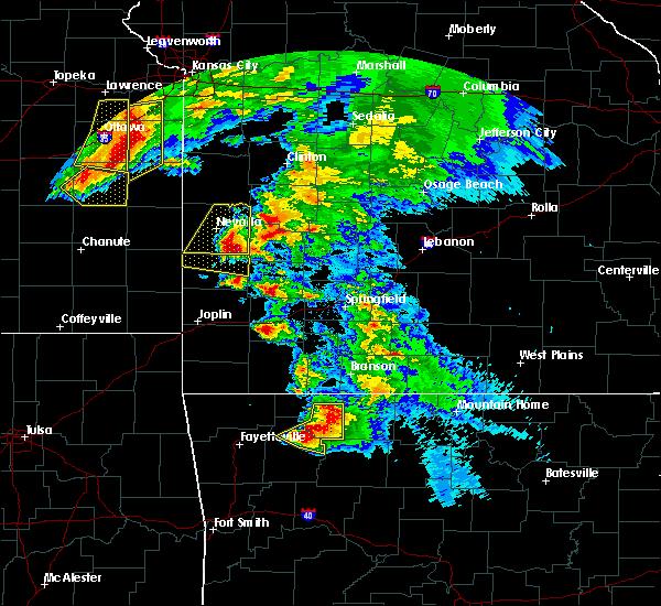 Radar Image for Severe Thunderstorms near Sheldon, MO at 5/4/2020 11:32 AM CDT