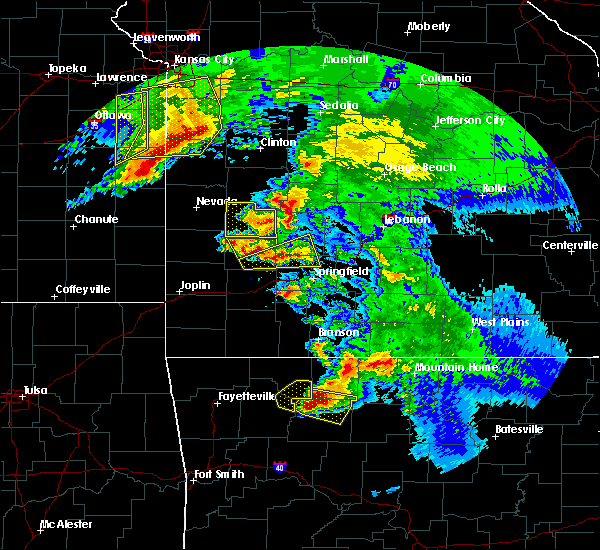 Radar Image for Severe Thunderstorms near Urbana, MO at 5/4/2020 12:03 PM CDT