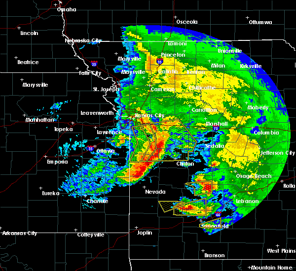 Radar Image for Severe Thunderstorms near Clinton, MO at 5/4/2020 12:32 PM CDT
