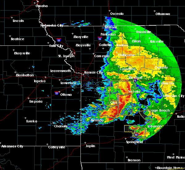 Radar Image for Severe Thunderstorms near La Monte, MO at 5/4/2020 1:19 PM CDT