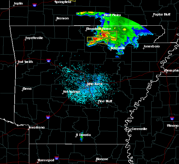 Radar Image for Severe Thunderstorms near Melbourne, AR at 5/4/2020 1:24 PM CDT