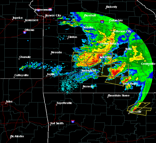Radar Image for Severe Thunderstorms near Bennett Springs, MO at 5/4/2020 2:14 PM CDT