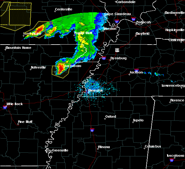 Radar Image for Severe Thunderstorms near Alton, MO at 5/4/2020 3:07 PM CDT
