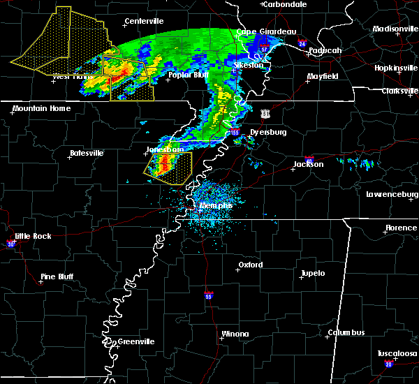 Radar Image for Severe Thunderstorms near Fairdealing, MO at 5/4/2020 3:28 PM CDT