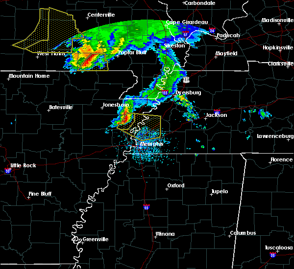 Radar Image for Severe Thunderstorms near Fairdealing, MO at 5/4/2020 3:41 PM CDT