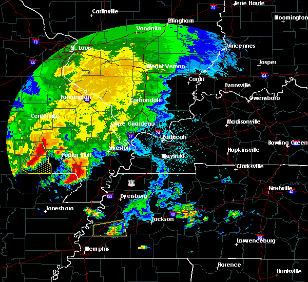 Radar Image for Severe Thunderstorms near Fairdealing, MO at 5/4/2020 4:28 PM CDT