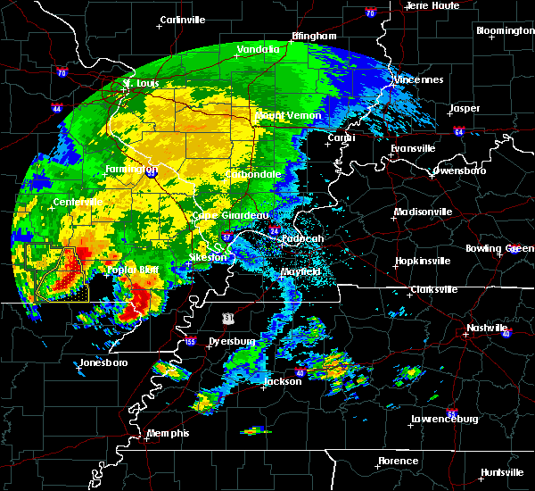 Radar Image for Severe Thunderstorms near Fairdealing, MO at 5/4/2020 4:36 PM CDT