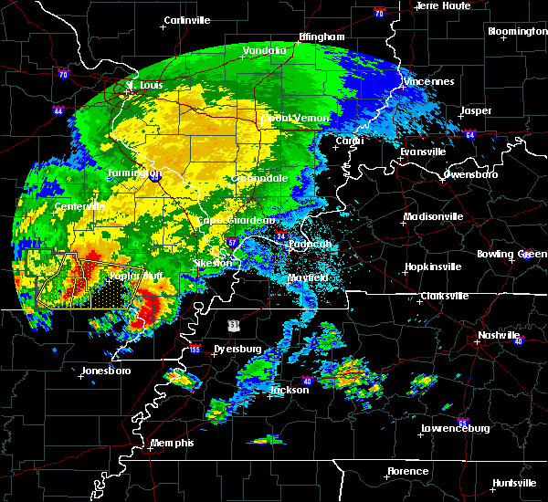 Radar Image for Severe Thunderstorms near Fairdealing, MO at 5/4/2020 4:39 PM CDT