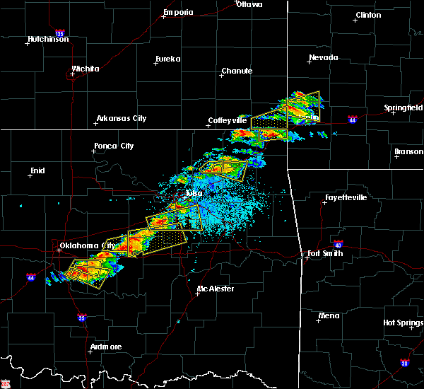 Radar Image for Severe Thunderstorms near Oakhurst, OK at 5/4/2020 5:19 PM CDT