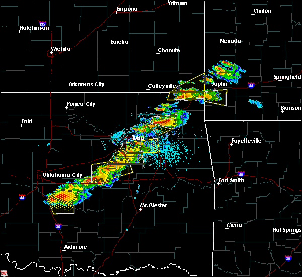 Radar Image for Severe Thunderstorms near Baxter Springs, KS at 5/4/2020 5:39 PM CDT