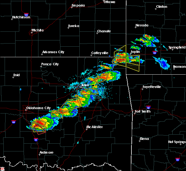 Radar Image for Severe Thunderstorms near Wyandotte, OK at 5/4/2020 5:59 PM CDT