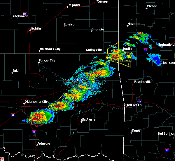 Radar Image for Severe Thunderstorms near Pryor Creek, OK at 5/4/2020 6:01 PM CDT