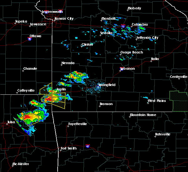 Radar Image for Severe Thunderstorms near Goodman, MO at 5/4/2020 6:06 PM CDT