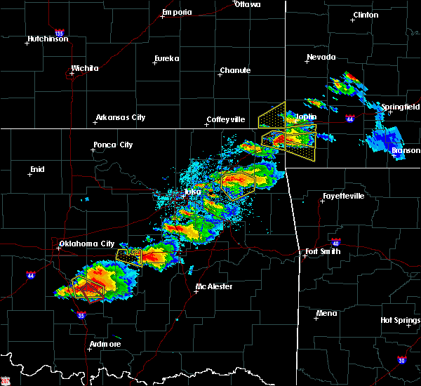 Radar Image for Severe Thunderstorms near Wyandotte, OK at 5/4/2020 6:09 PM CDT