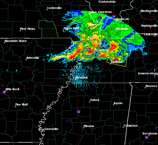 Radar Image for Severe Thunderstorms near Blytheville, AR at 5/4/2020 6:14 PM CDT