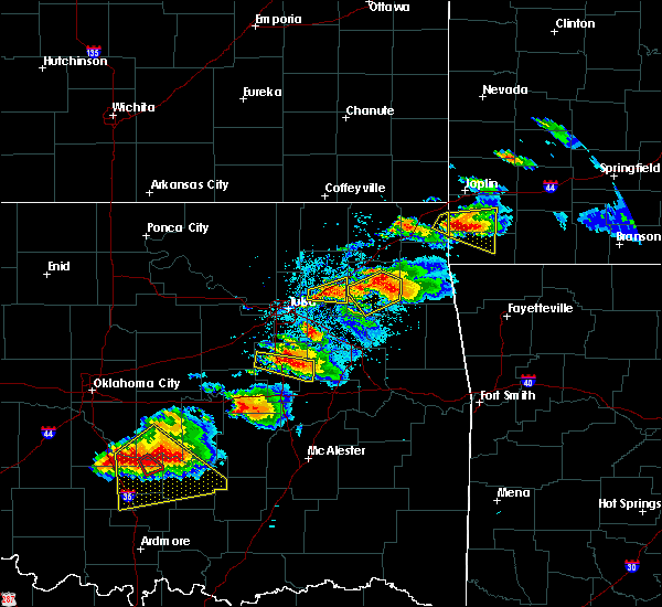 Radar Image for Severe Thunderstorms near Okmulgee, OK at 5/4/2020 6:25 PM CDT