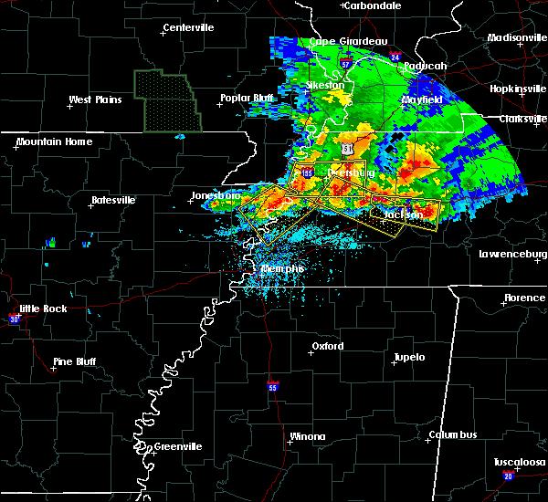 Radar Image for Severe Thunderstorms near Dyersburg, TN at 5/4/2020 6:27 PM CDT