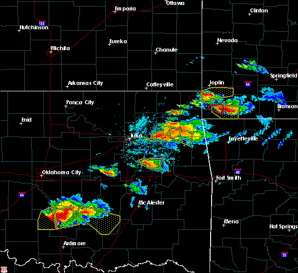 Radar Image for Severe Thunderstorms near Mazie, OK at 5/4/2020 7:02 PM CDT