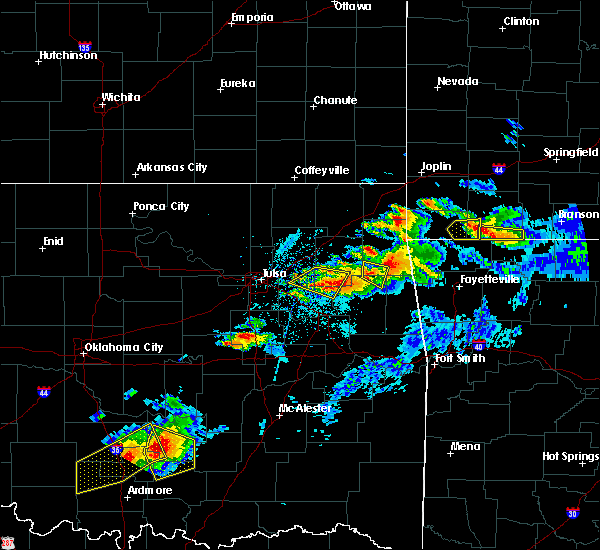 Radar Image for Severe Thunderstorms near Mazie, OK at 5/4/2020 7:34 PM CDT