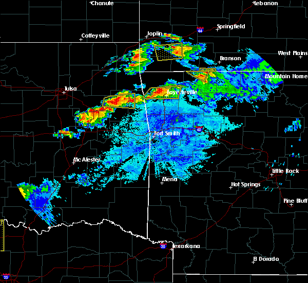 Radar Image for Severe Thunderstorms near Bethel Heights, AR at 5/4/2020 8:29 PM CDT