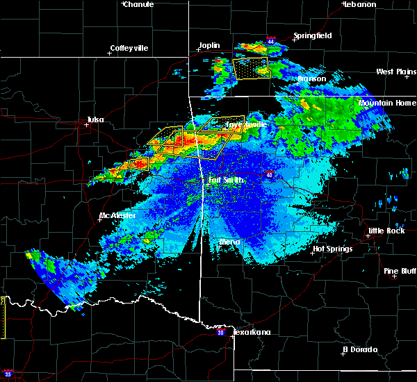Radar Image for Severe Thunderstorms near Bethel Heights, AR at 5/4/2020 8:56 PM CDT