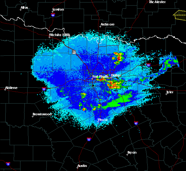 Radar Image for Severe Thunderstorms near Cedar Hill, TX at 5/5/2020 1:31 AM CDT