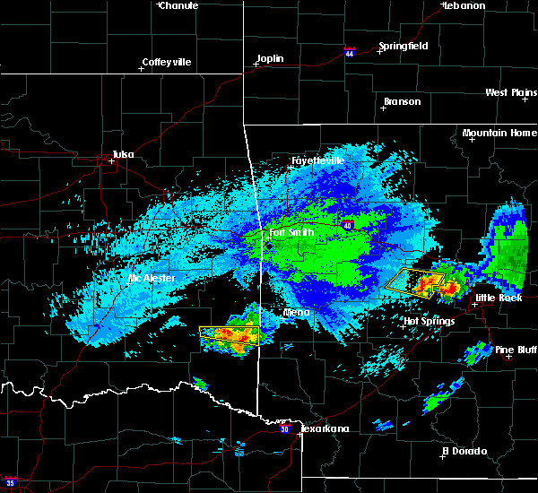 Radar Image for Severe Thunderstorms near Wickes, AR at 5/5/2020 1:50 AM CDT
