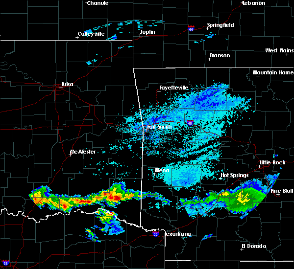 Radar Image for Severe Thunderstorms near De Queen, AR at 5/5/2020 5:03 AM CDT