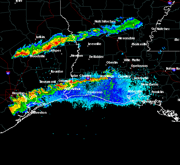 Radar Image for Severe Thunderstorms near Vinton, LA at 5/5/2020 8:13 PM CDT