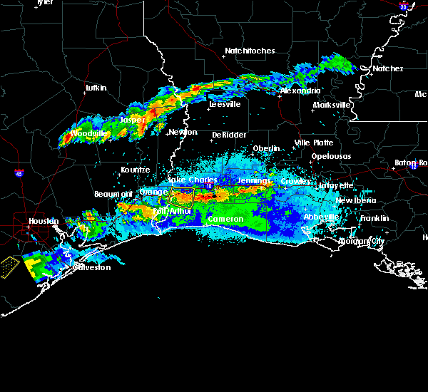 Radar Image for Severe Thunderstorms near Vinton, LA at 5/5/2020 8:43 PM CDT