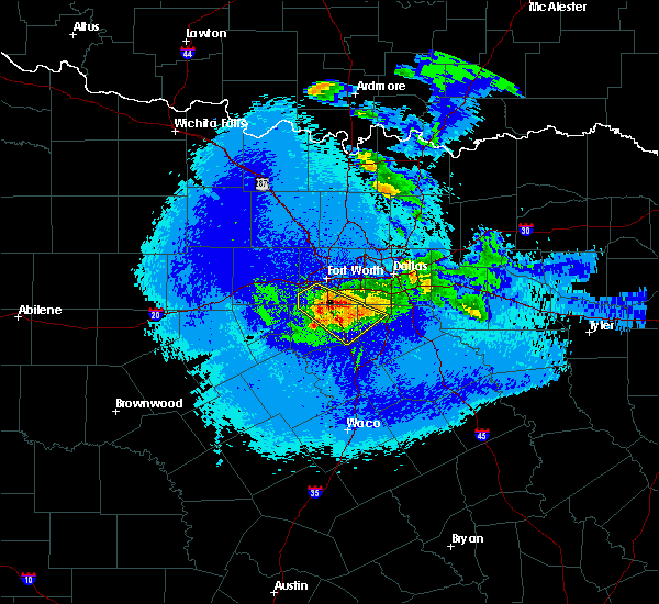 Radar Image for Severe Thunderstorms near Cleburne, TX at 5/7/2020 11:16 PM CDT