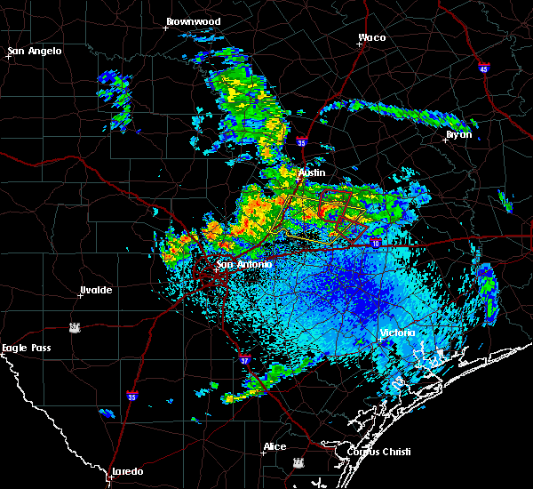 Radar Image for Severe Thunderstorms near Circle D-KC Estates, TX at 5/12/2020 10:04 AM CDT