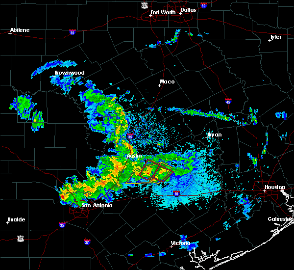 Radar Image for Severe Thunderstorms near Circle D-KC Estates, TX at 5/12/2020 10:37 AM CDT