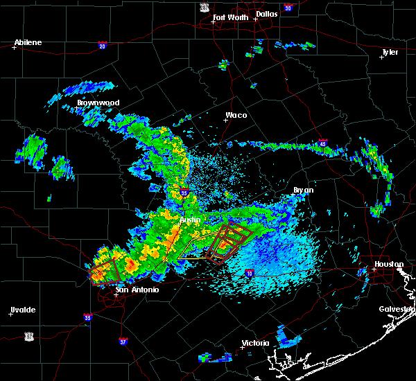 Radar Image for Severe Thunderstorms near Circle D-KC Estates, TX at 5/12/2020 11:04 AM CDT