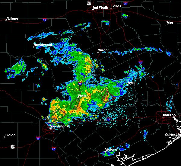 Radar Image for Severe Thunderstorms near Lexington, TX at 5/12/2020 12:10 PM CDT