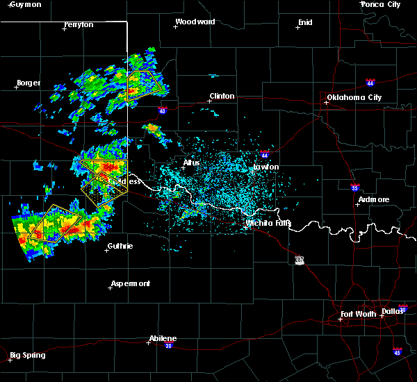 Radar Image for Severe Thunderstorms near Dodson, TX at 5/13/2020 6:46 PM CDT