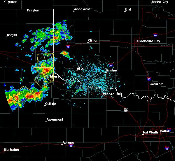 Radar Image for Severe Thunderstorms near Cheyenne, OK at 5/13/2020 6:49 PM CDT
