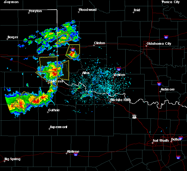Radar Image for Severe Thunderstorms near Dodson, TX at 5/13/2020 7:01 PM CDT