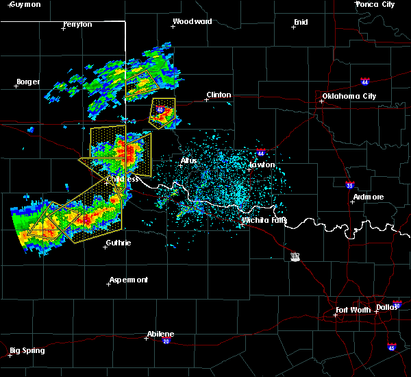 Radar Image for Severe Thunderstorms near Dodson, TX at 5/13/2020 7:09 PM CDT