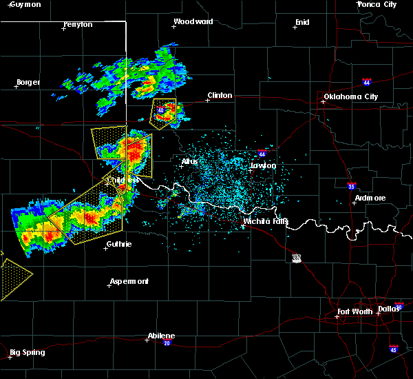Radar Image for Severe Thunderstorms near Dodson, TX at 5/13/2020 7:21 PM CDT