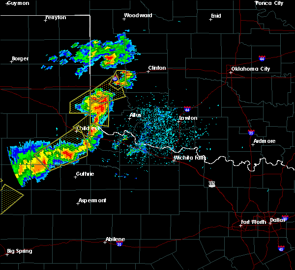 Radar Image for Severe Thunderstorms near Blair, OK at 5/13/2020 7:34 PM CDT