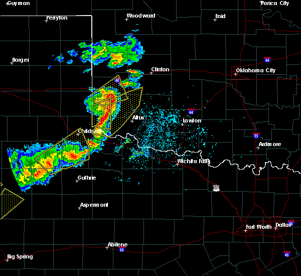 Radar Image for Severe Thunderstorms near Sayre, OK at 5/13/2020 7:39 PM CDT