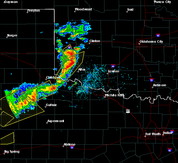 Radar Image for Severe Thunderstorms near Burns Flat, OK at 5/13/2020 7:55 PM CDT