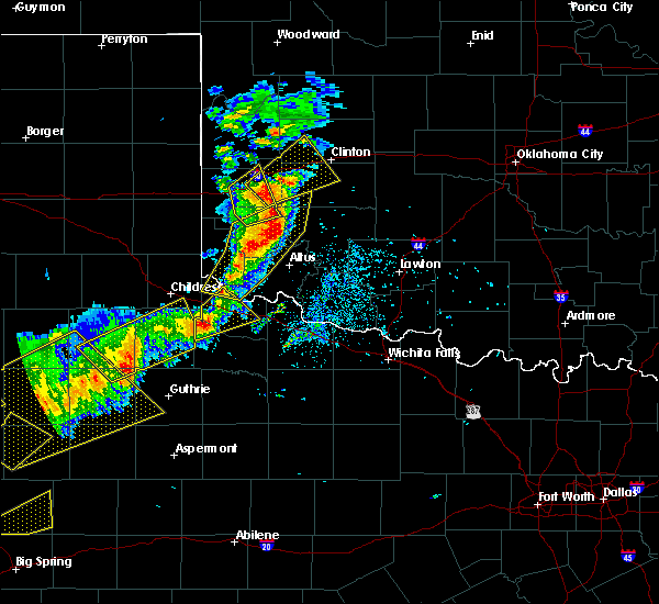 Radar Image for Severe Thunderstorms near Blair, OK at 5/13/2020 8:00 PM CDT
