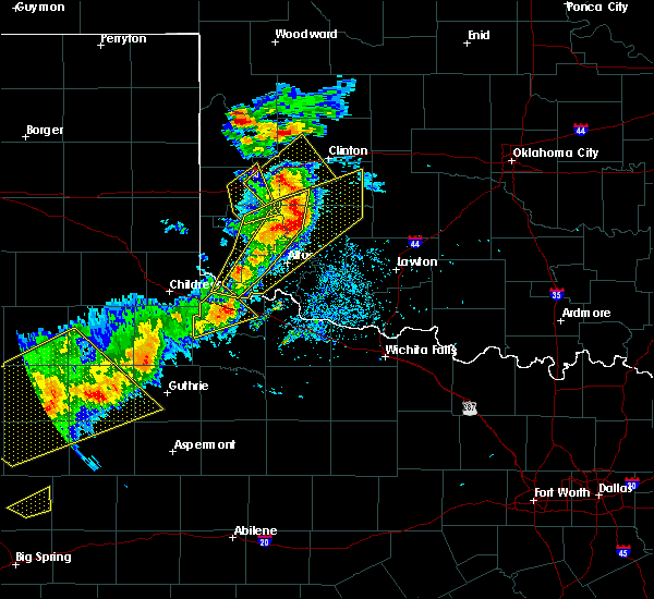 Radar Image for Severe Thunderstorms near Burns Flat, OK at 5/13/2020 8:20 PM CDT